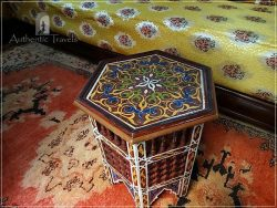 Casa Aya Medina: traditional painted furniture