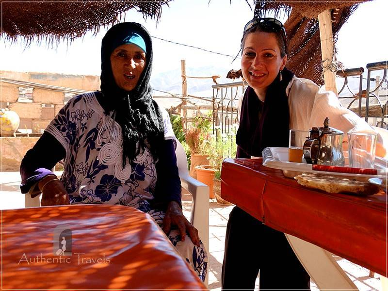 Tamtettouchte village: Aicha invited me for tea and sweets (magic moments)