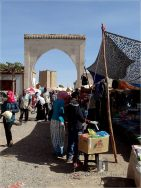 Skoura: souq day - very crowded day
