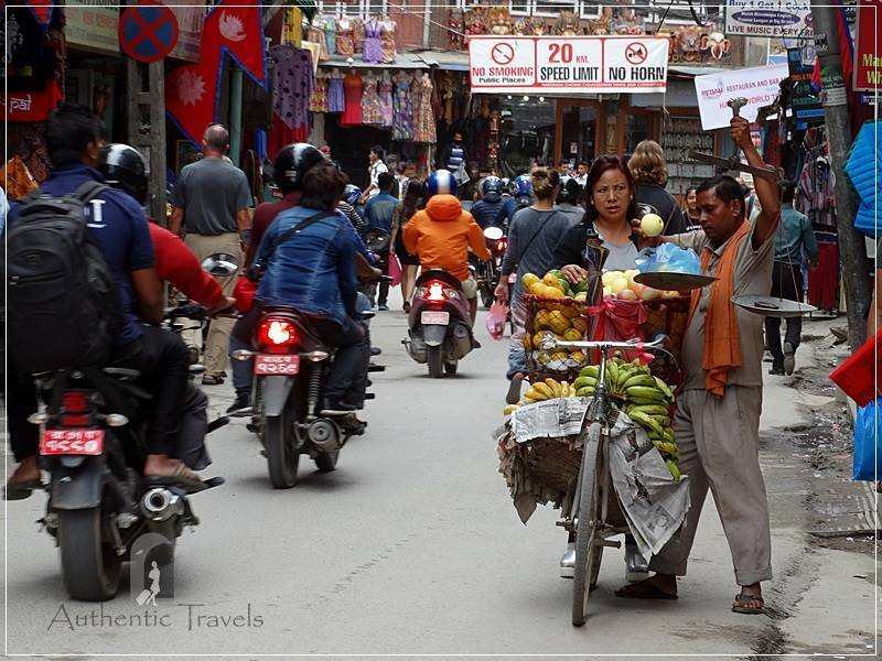 Kathmandu - Fruit seller in Thamel