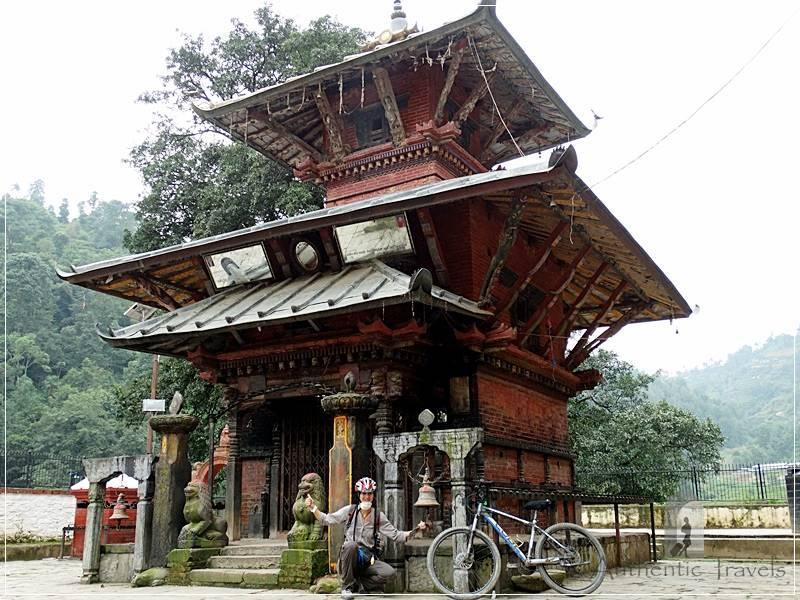 Ichangu Narayan Temple - a happy cycling day around Kathmandu