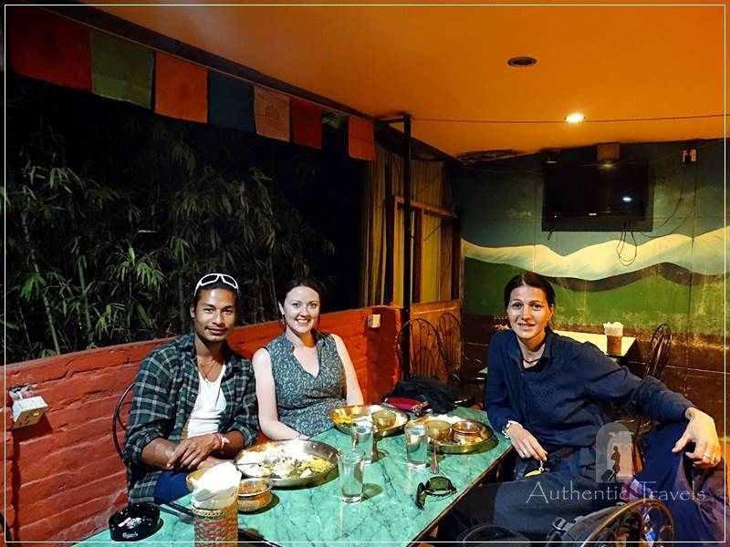 Kathmandu - Thamel - eating dhal bhat with Elen and Ramesh