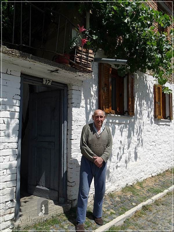 Korçë - Ilija in front of his house in the old part of the town