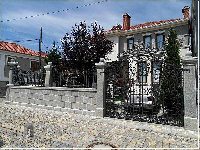 Korçë - luxurious villas in the old part of the town