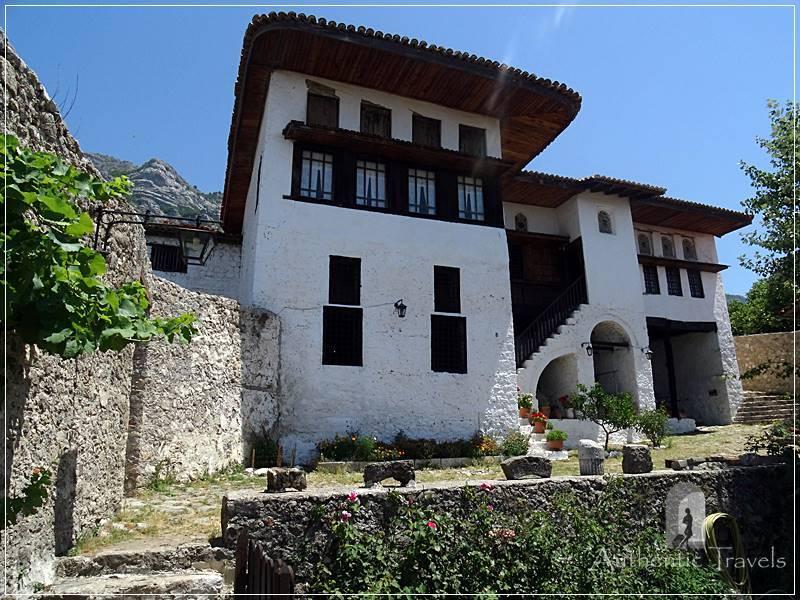 Krujë Fortress - Ethnographic Museum