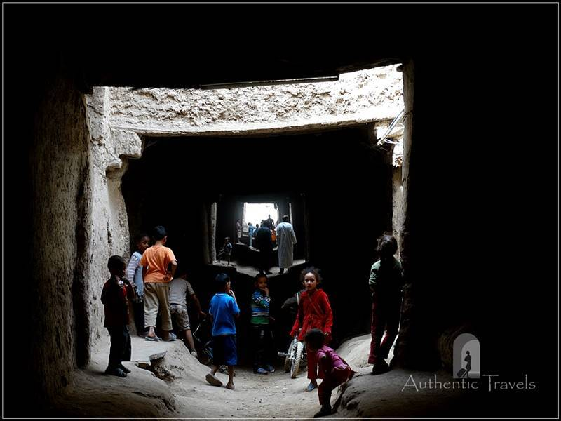 Route du Majhoul in Tafilalt Oases: a normal 'underground' street, a good playground for children